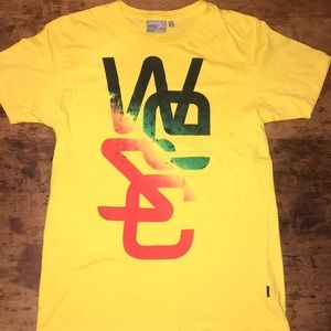 🍋WESC graphic yellow tee shirt sz medium
